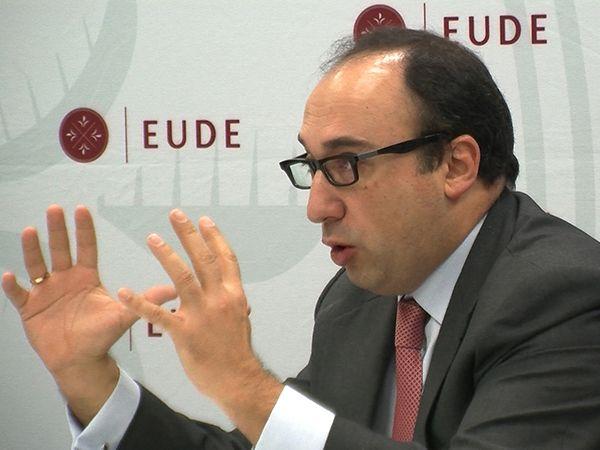 Foto - La sobrevaloración de activos amenaza la recuperación y sitúa a España al borde de su tercera recesión
