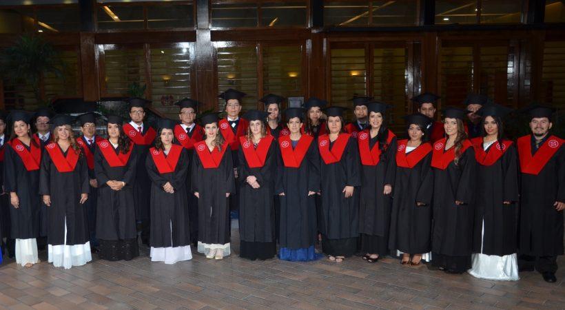 graduación EUDE en Ecuador