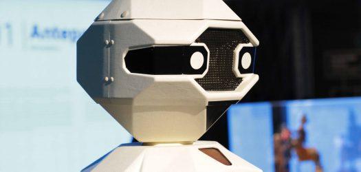 Nosotros, Robot